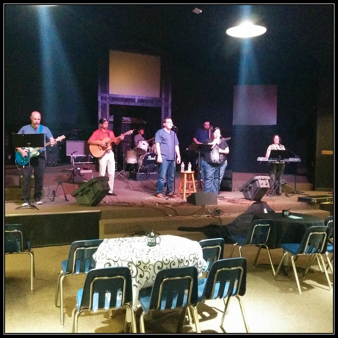 Focus Worship Team - Getting In a Little Practice.